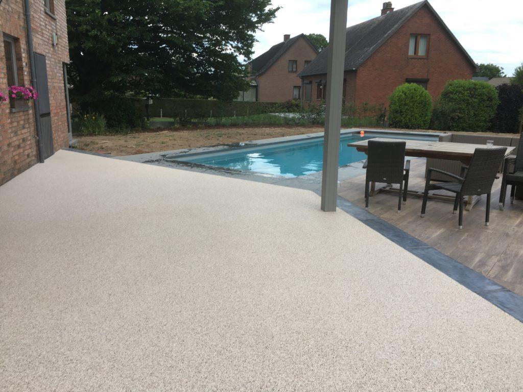 07-tapis-de-pierre-terrasse-piscine